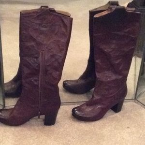 Frye dark brown leather boots, 9.5 new, Carson